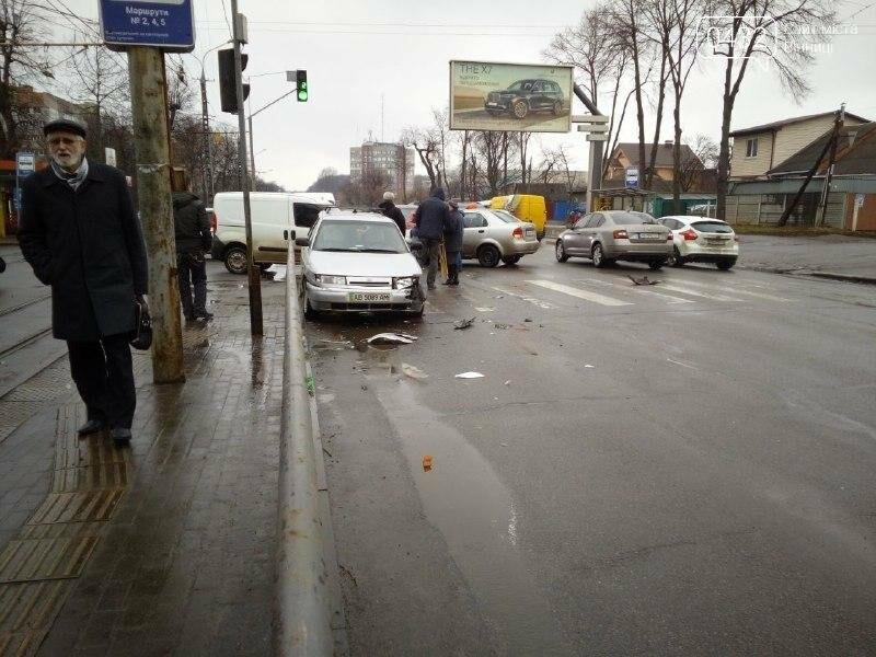 ДТП в Виннице: на перекрестке не разминулись две легковушки (фото), фото-3