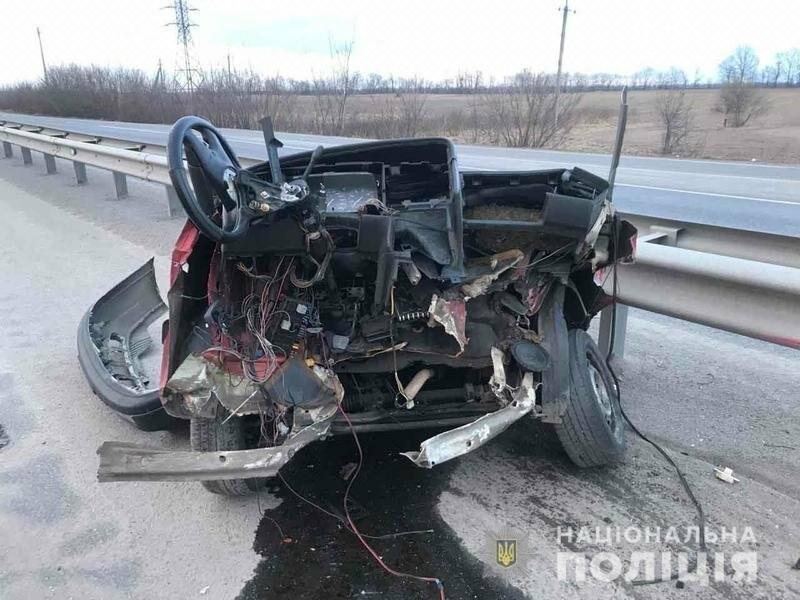 Ужасное ДТП возле Винницы: авто разорвало на две части, никто не выжил (фото, видео), фото-1