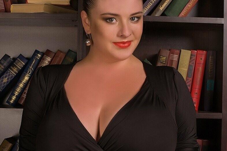 Самая большая грудь у девушки в украине
