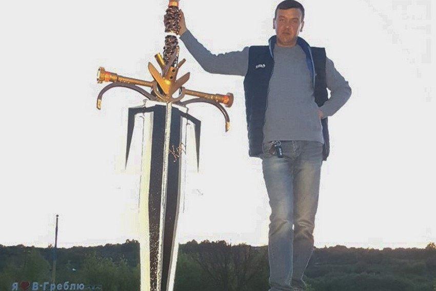 На Вінниччині фермер створив з деталей від сільгосптехніки «Меч примирення», фото-3