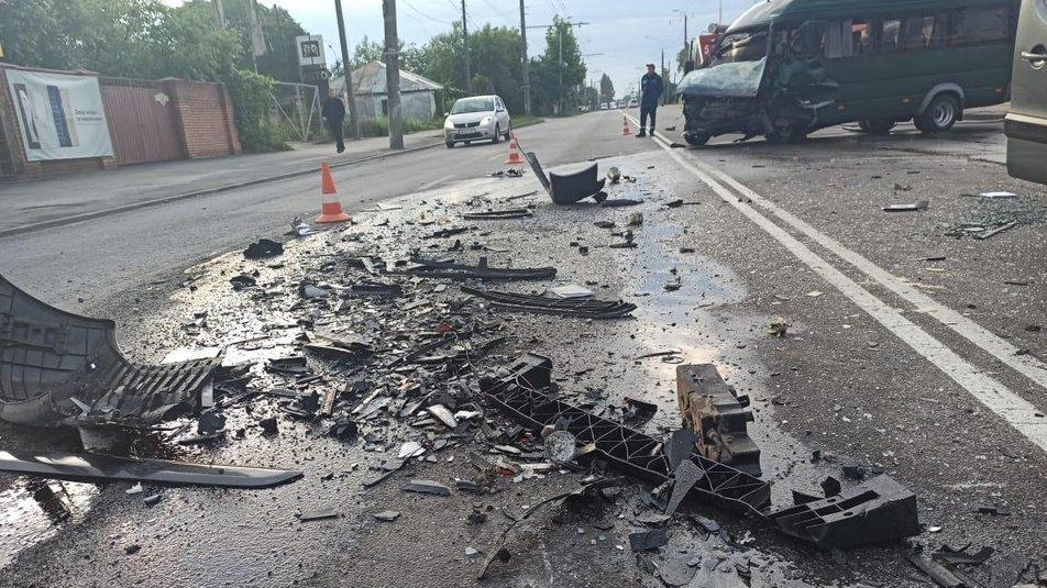 Моторошна ДТП у Вінниці: одна людина загинула, двоє у реанімації, фото-2