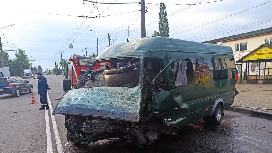 Моторошна ДТП у Вінниці: одна людина загинула, двоє у реанімації, фото-1
